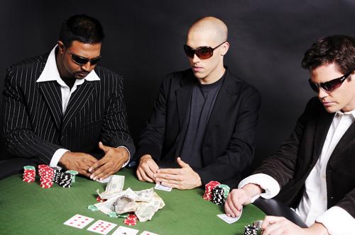 Drei größten Online Pokerseiten wurden von der F.B.I. geschlossen