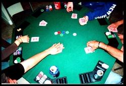 Die besten Online Pokerspieler wissen, wann sie ihre Ranges auflockern und wann nicht