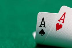 Lernen Sie mit unseren Profi  Tipps, wie man in Deep  Stack  Cash  Partien spielt